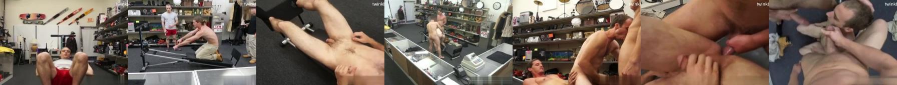 Dwóch facetów posuwa drobnego pasywka w sklepie ze sprzętem sportowym i spuszczają mu się na twarz